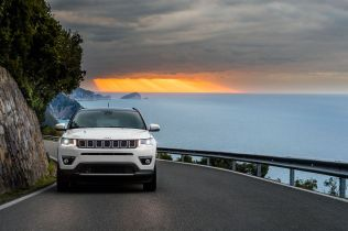 170307_Jeep_All-new-Jeep-Compass_05