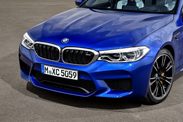 P90273017_lowRes_the-new-bmw-m5-08-20