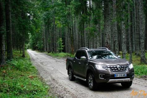 Renault Alaskan-23