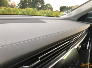 Audi Q8-47