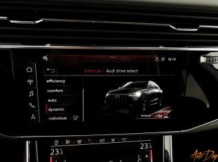 Audi Q8-51