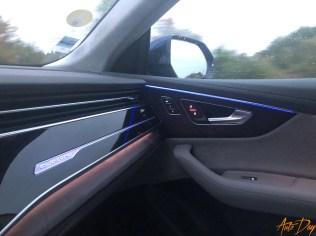Audi Q8-70