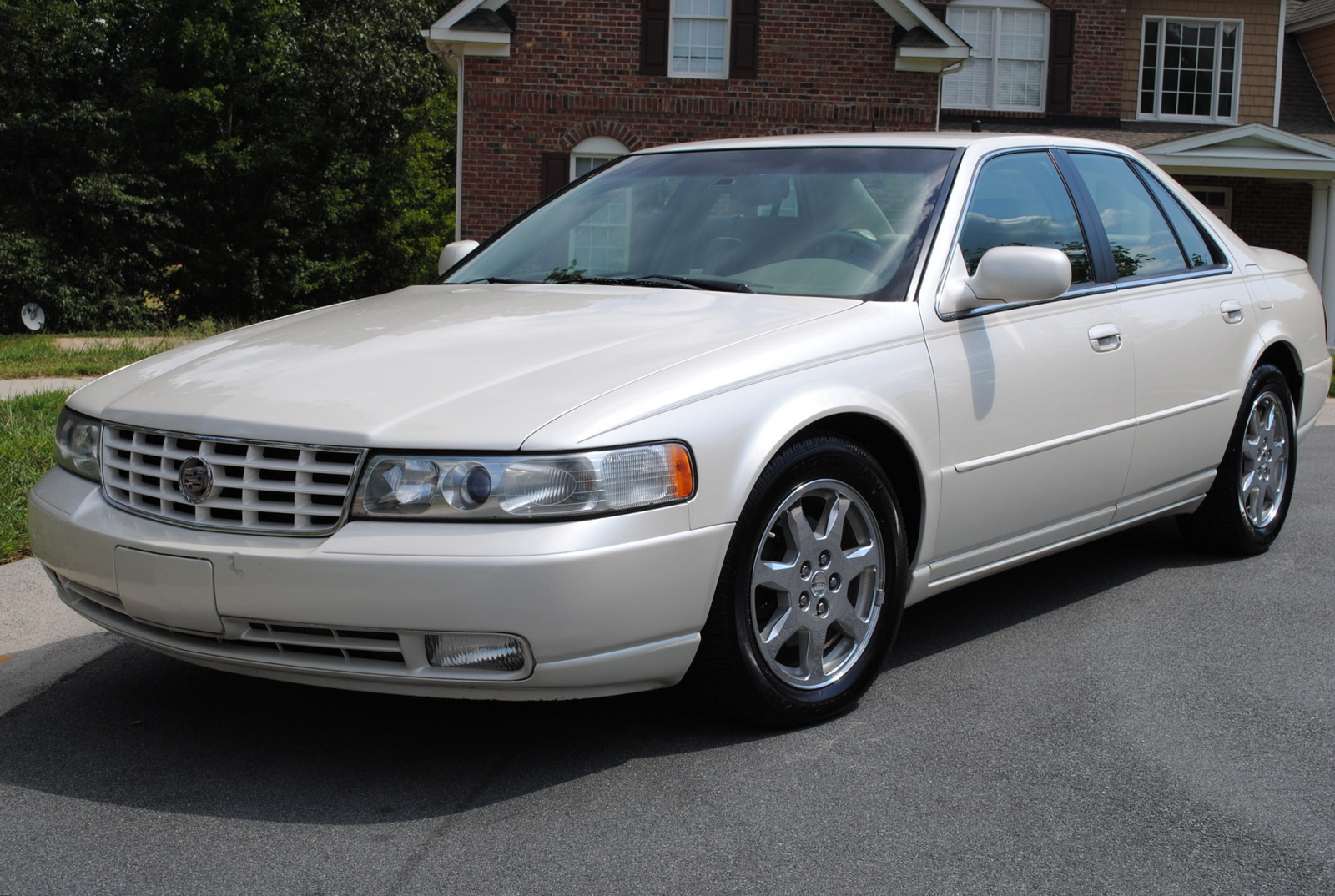 hight resolution of  2001 cadillac deville dts photo 4