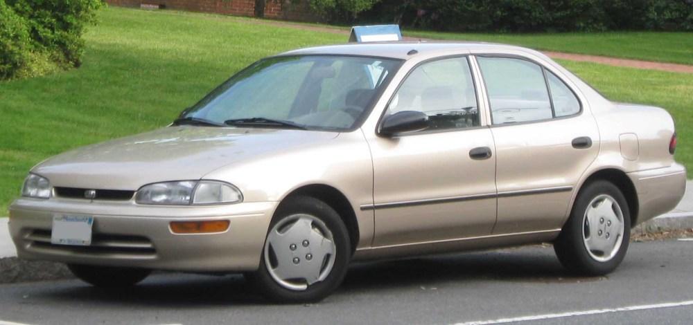 medium resolution of  2002 chevrolet prizm sedan photo 2