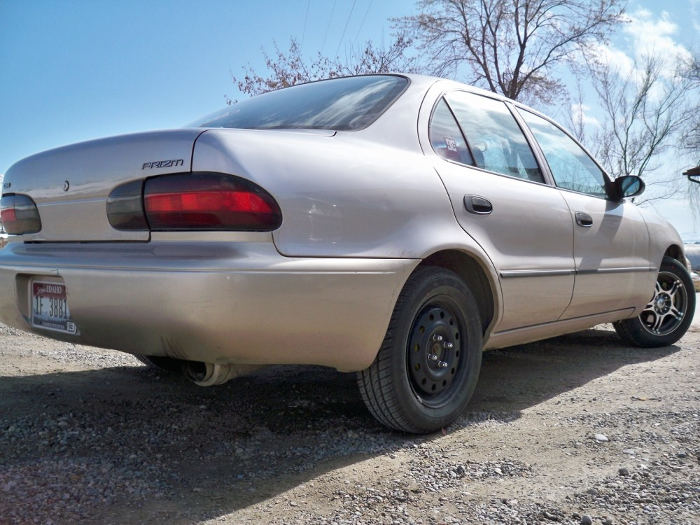 medium resolution of  1996 geo prizm base photo 4