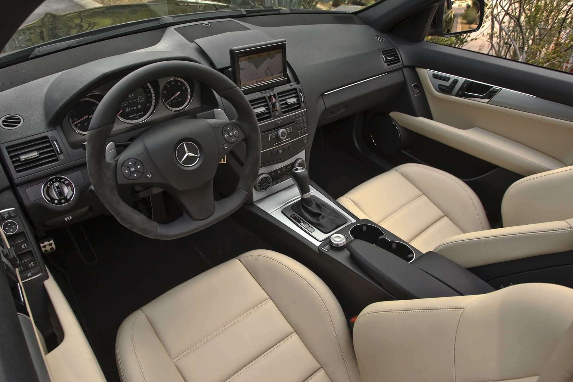 hight resolution of  2010 mercedes benz c class c300 4matic luxury sedan interior
