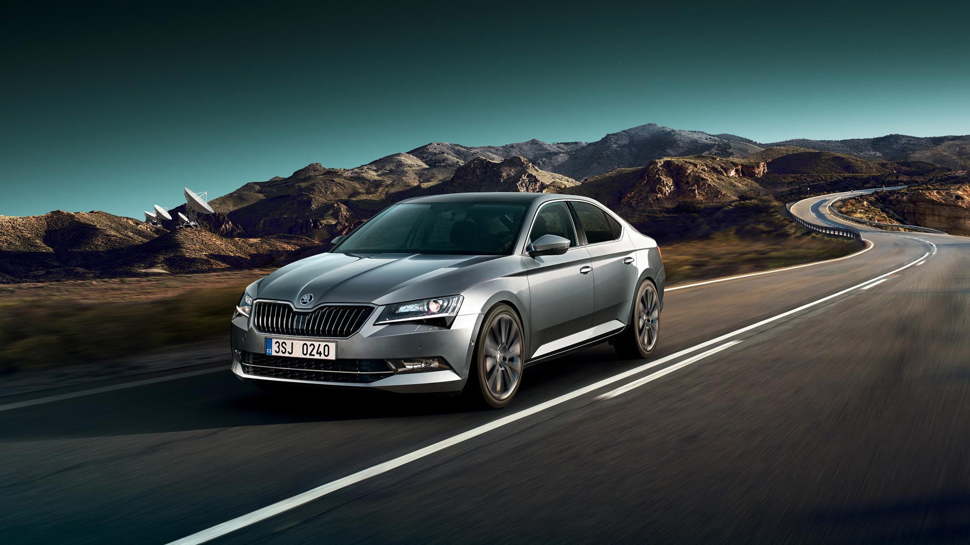 hight resolution of skoda superb with new equipment