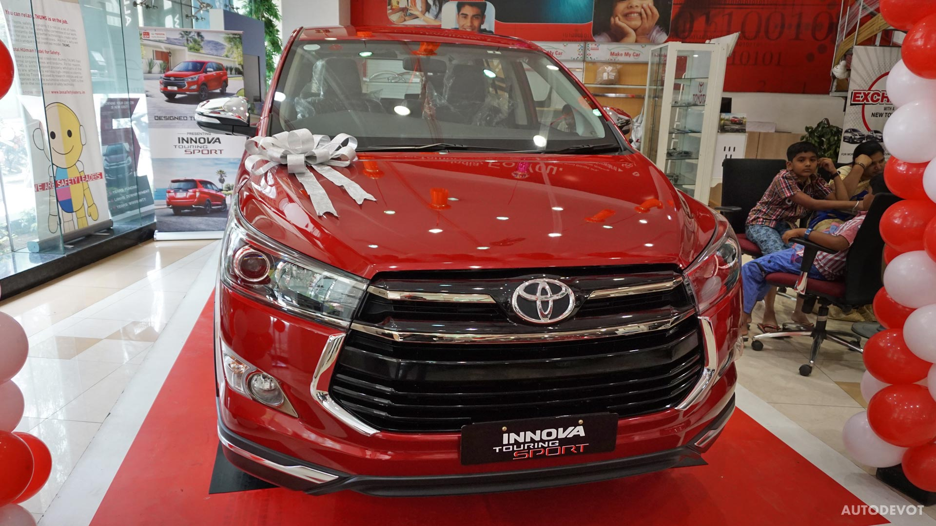 toyota all new innova venturer kijang type v video touring sport in wildfire red autodevot