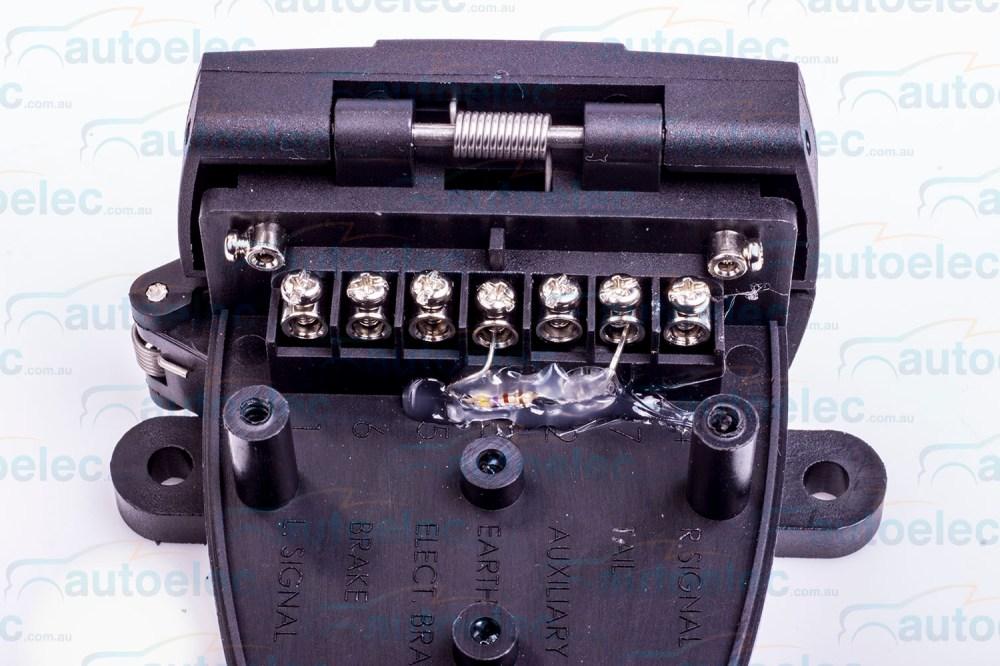 medium resolution of ark 7 pin trailer socket