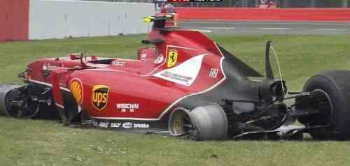 A Ferrari de Kimi após o acidente (Foto Sky TV)