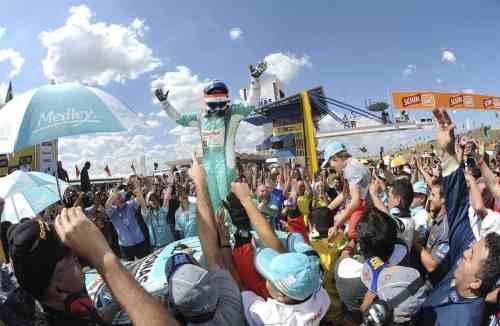 Rubens Barrichello venceu pela primeira vez na Stock Car brasileira (Foto Duda Bairros)