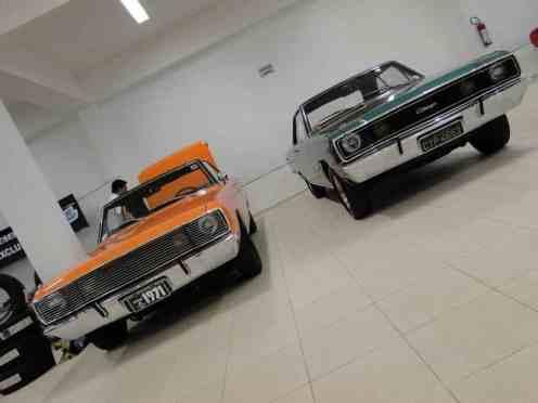 O inicio da linha do tempo, com os Charger 1971 e 1972...