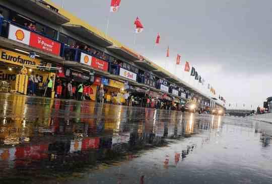 Chuva no autódromo de Curitiba revelou pontos fracos do esporte (Foto de Duda Bairros)