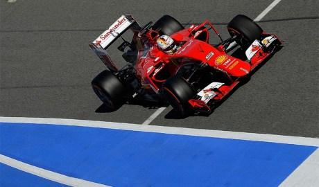 Vettel: ainda andando atrás de Räikkonën (Foto Ferrari)