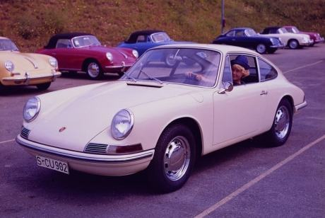 Porsche-911_2.0_Coupe_1964_800x600_wallpaper_03