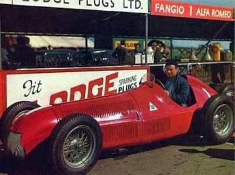 O homem ao volante (foto: www.jmfangio.org)