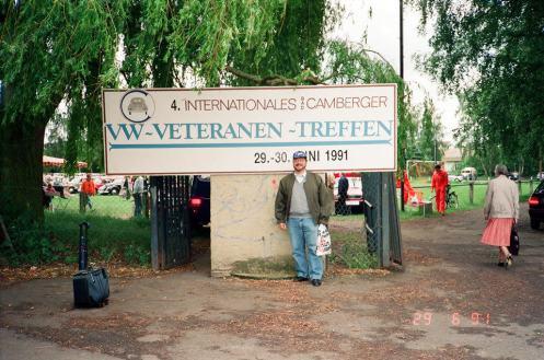 A tradicional foto na entrada do evento de Bad Camberg em 1991