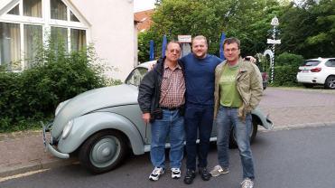Da direita para a esquerda, o grande colecionador Richard Hassmann, o Ighör e eu
