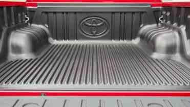 Toyota Hilux 8a ger detalhes AUTOentusiastas 01