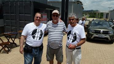 Alexander Gromow, o leitor Luciano Faria Marques do Rio de Janeiro e Bob Sharp