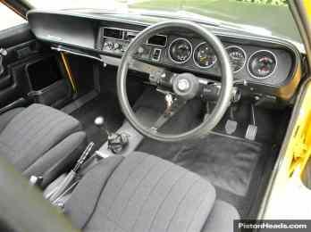 Interior do Tiger, com bancos mais modernos (Piston Heads)