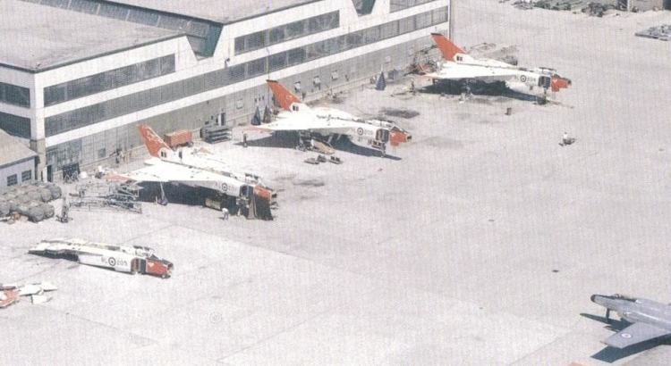 Os Arrow, novinhos, em processo de desmontagem (zurakowskiavroarrow.com)