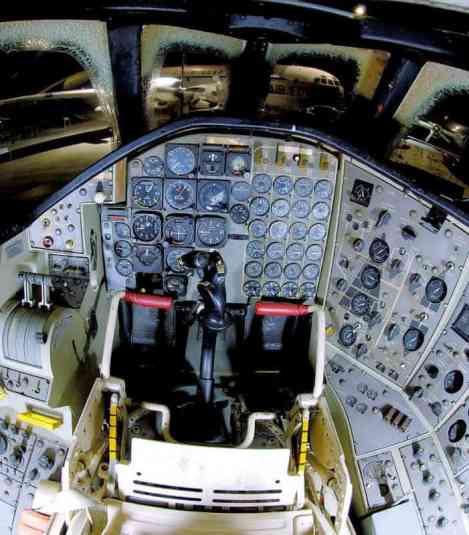 Painel dianteiro do piloto (bredow-web.de)