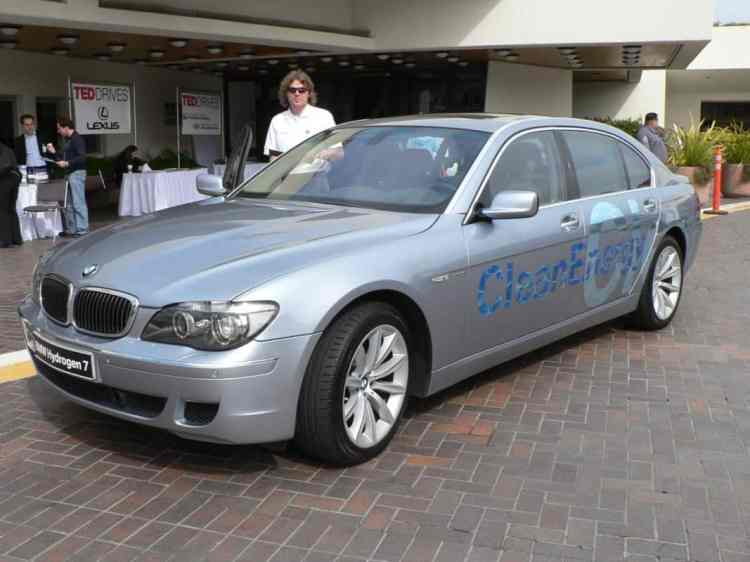BMW_Hydrogen_7_at_TED_2007