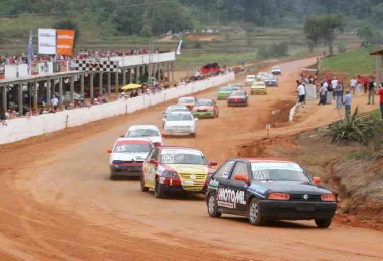 Velocidade na Terra faz sucesso em Santa Catarina (foto velocidadenaterrasc.blogspot.com)