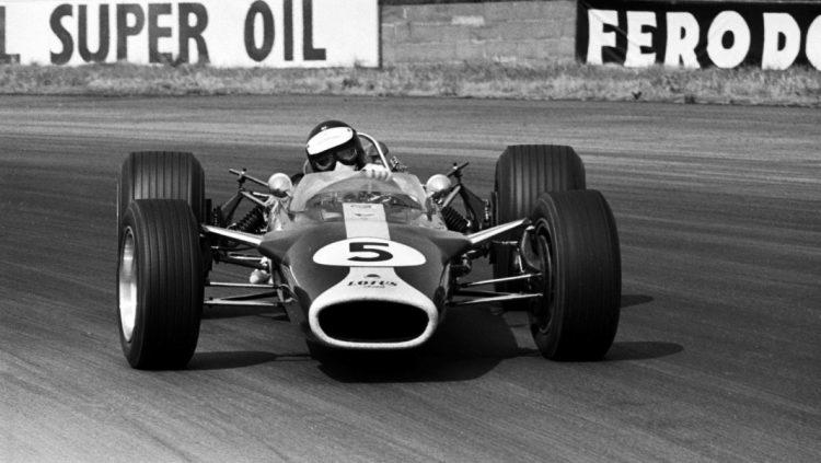Lotus 49 fazendo curva do jeito mais gostoso (foto: wallpaperup.com)