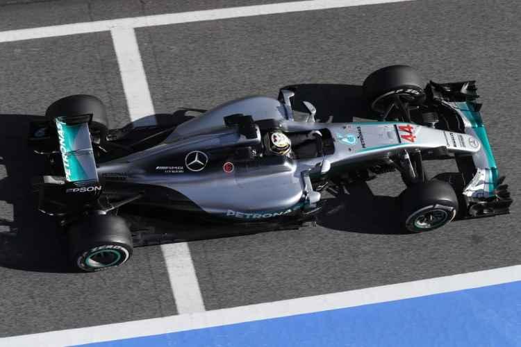 Bi-campeão Lewis Hamilton ficou apenas com o nono tempo (foto Mercedes)