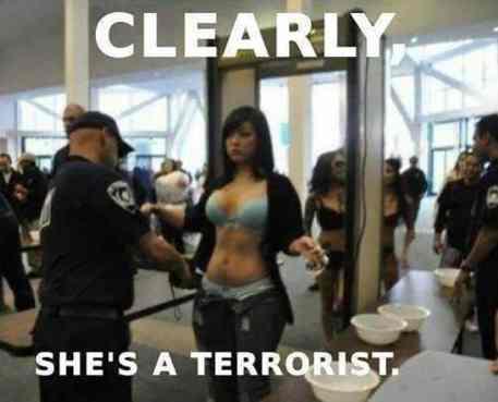 """Sob a """"lei patriiótica"""", não haviam limites para medidas de proteção contra qualquer desconfiança de terrorismo"""