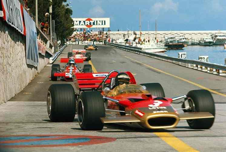 Em Mônaco, o 505 segue o Lotus 49