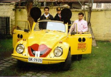 Um Mouse Car conversível do Chile