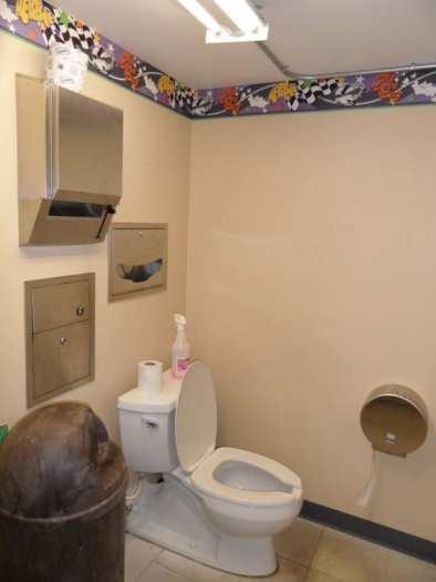 Até nas toaletes a decoração unificada está presente