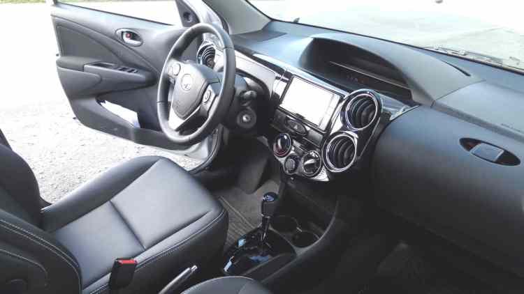 Toyota Etios XLS automatico 110