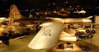 O B-36 ocupa um bocado de espaço no museu