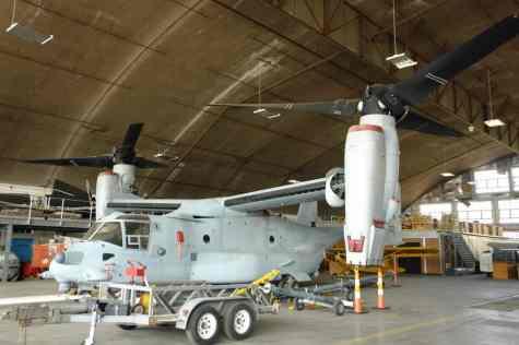 Até um V-22 Osprey está no acervo de restauração, apesar do modelo ainda operar