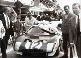 Ford GT em 1964 [media.ford.com]