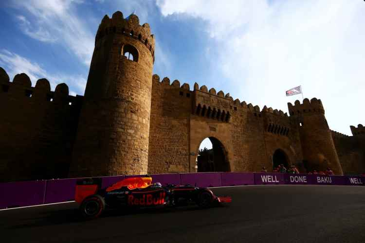 Publicidade na pista e elogios de Ecclestone valorizaram o GP em Baku (Foto Red Bull/Getty Images)