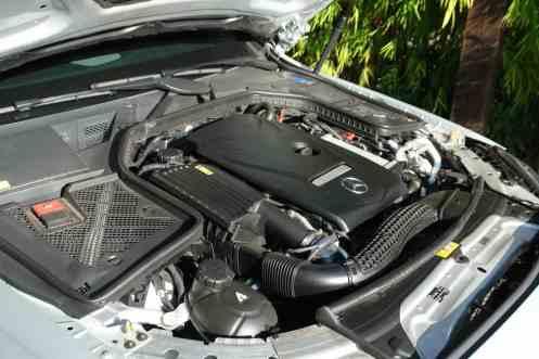 Motor com capa decorativa