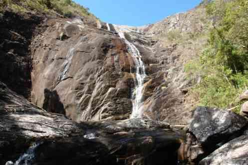 Vista da queda da Cachoeira Bonita