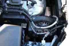 Rotas de mangueiras e chicotes sempre foram bem cuidadas nos carros da GM