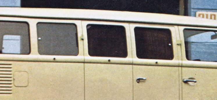 Foto de folder VW 1976 – detalhe do vidro lateral