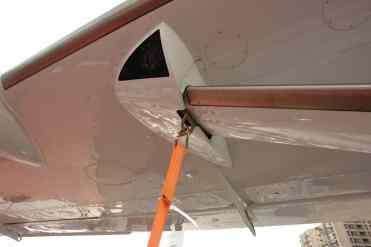 Olhal de ancoragem no montante da asa, ponto forte da estrutura da asa