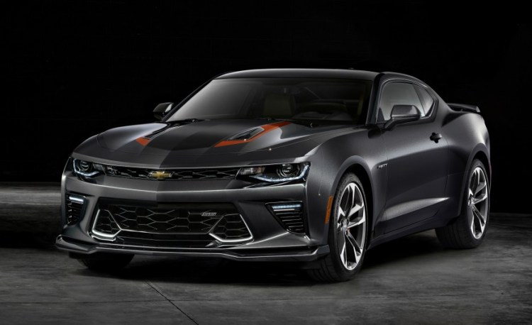 2017-chevrolet-camaro-50th-anniversary-edition-102-876x535