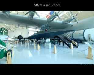 Há vários exemplares em exposição nos EUA, aqui, junto do Spruce Goose de Howard Hugues (Paul Kucher IV)