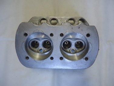 Observe a câmara do Fusca 1300, com válvlulas paralelas e balancin único (mercadolivre.com.br)
