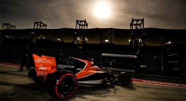 McLaren ainda não vê luz no fim do túnel: somente Fernando Alonso conseguiu largar no Bahrein (McLaren)