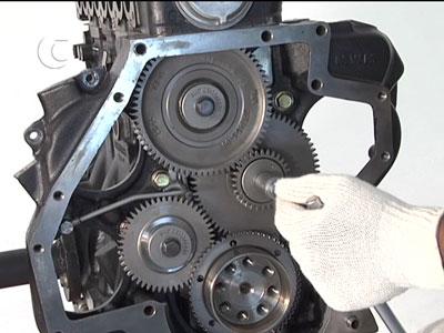 O conjuntoi traseiro de engrenagens do MWM Sprint. Até o MaxxForce 3.2H tem! (mecanica2000.com.br)